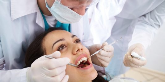 Does a cracked tooth require emergency dental care?